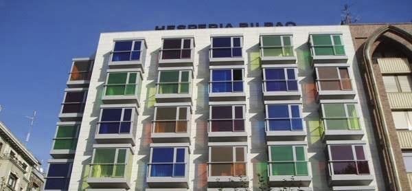شیشه رنگی نمای ساختمان
