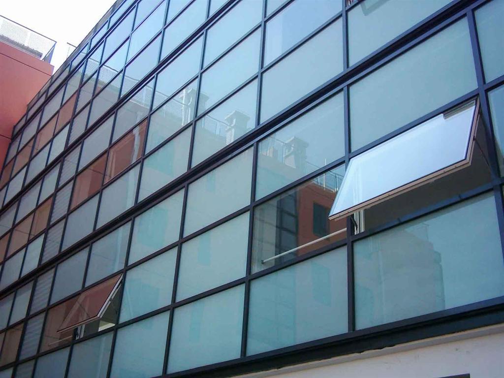 پنجره کرتین وال در تهران